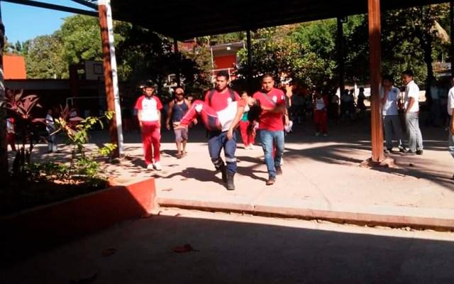 Padres de alumnos intoxicados en Guerrero afirman que fueron drogados - Foto de @JacobMorant
