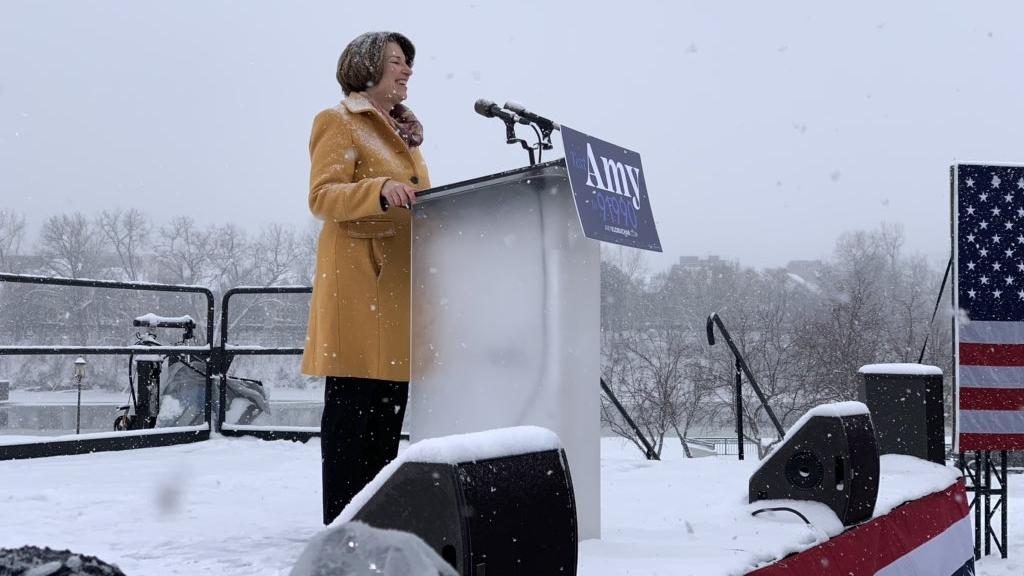 Amy Klobuchar aspirará a la presidencia de EE.UU. en 2020. Noticias en tiempo real