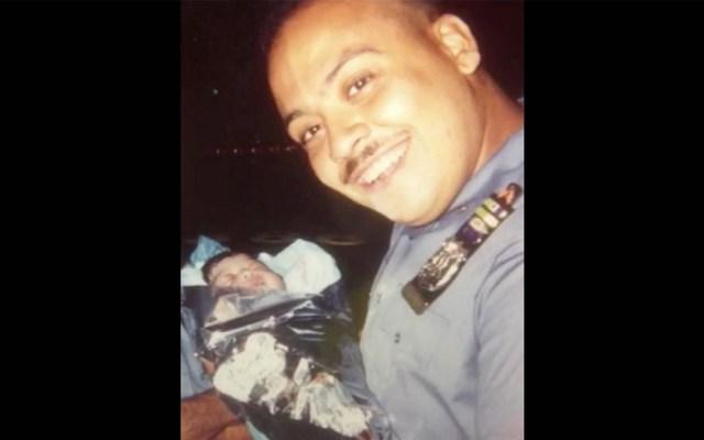 Policía retirado busca a joven que ayudó a nacer hace 25 años en NY - Foto de NYPD