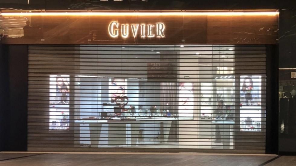 Sujetos armados asaltan joyería en centro comercial de Puebla - Foto de @JCarlos_Valerio