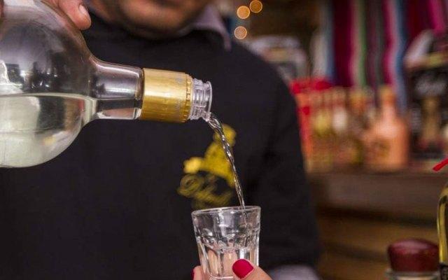 Alertan por bebidas adulteradas para abusar sexualmente de jóvenes en Puebla - Foto de Plano Informativo