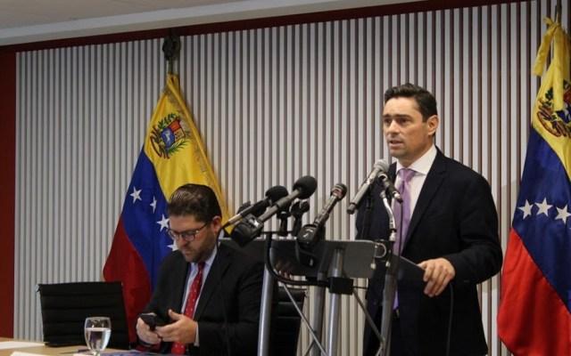 Denuncian fraude millonario en sedes diplomáticas de Venezuela en EE.UU. - Carlos Vecchio, embajador de Venezuela en EEUU designado por Juan Guaidó. Foto de @carlosvecchio