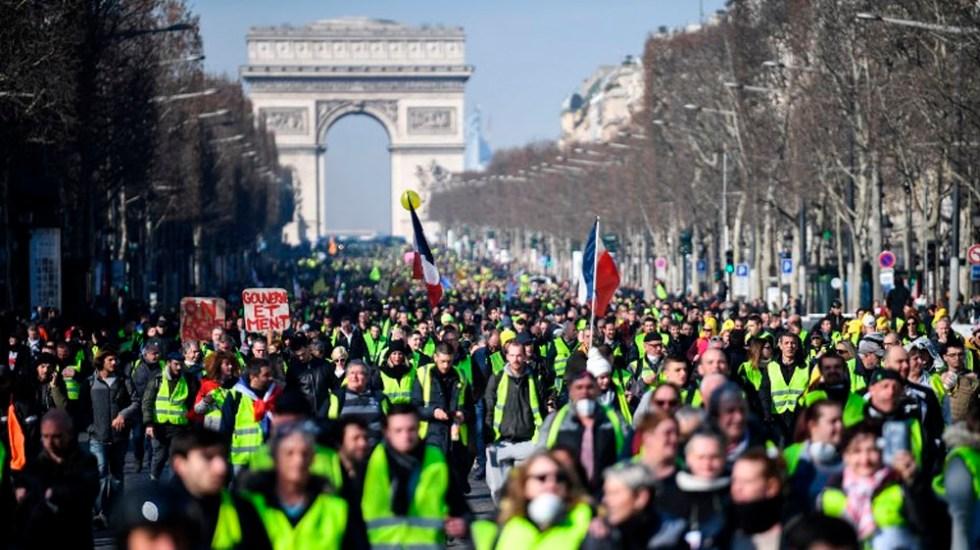 Prohíben a chalecos amarillos manifestarse en Campos Elíseos - Foto de Eric FEFERBERG / AFP
