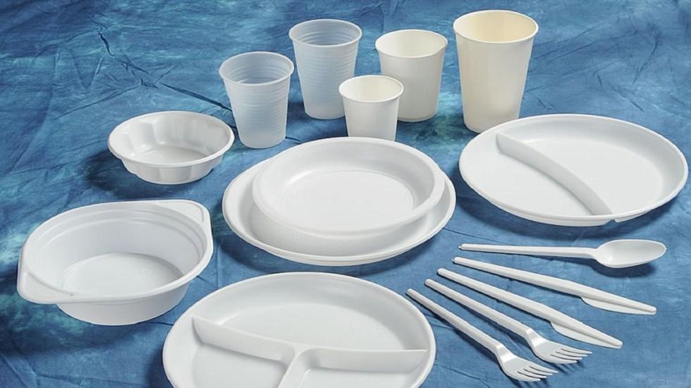 Japón veta popotes y cubiertos de plásticos en cafeterías - Vasos, platos y cubiertos de plástico. Foto de Coexpo