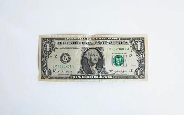 Dólar cierra semana hasta en 19.93 pesos - dólar