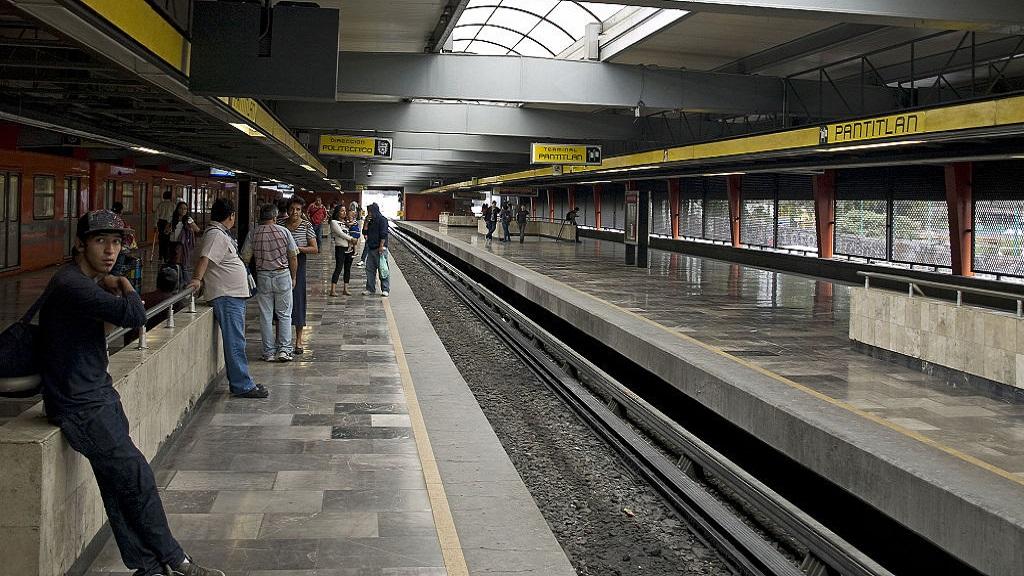 Hallan en Pantitlán pierna de mujer arrollada en Metro Aragón - Estación Pantitlán del Metro. Foto de Wikipedia / Ymblanter
