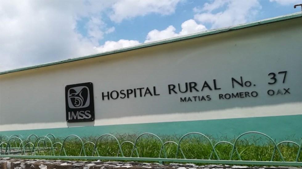 Volcadura de camioneta de pasajeros en Oaxaca deja nueve lesionados - senadores exigen investigar robo de medicamentos del imss