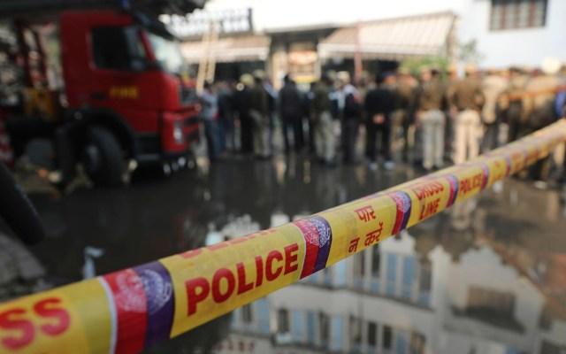 Incendio en hotel deja 17 muertos en India - Foto de AP