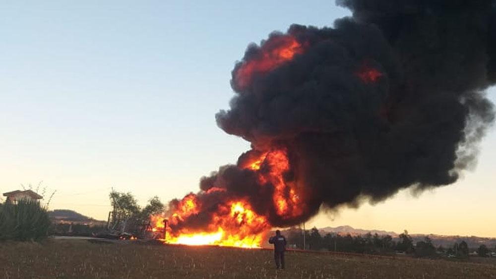 Reportan incendio en ducto en Huauchinango, Puebla