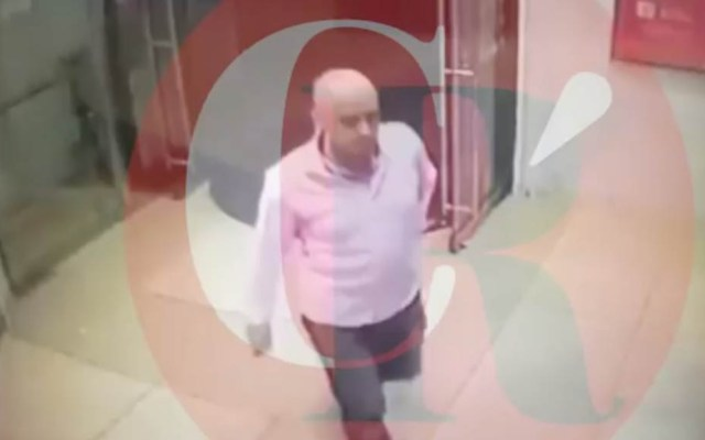 #Video Asesinan en intento de asalto a escolta de ex procuradores - José Jesús Urbina ingresando al cajero. Captura de pantalla