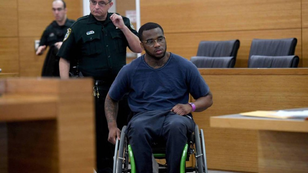 Madre visita al asesino de su hija en Florida - madre visita al asesino de su hija en la cárcel
