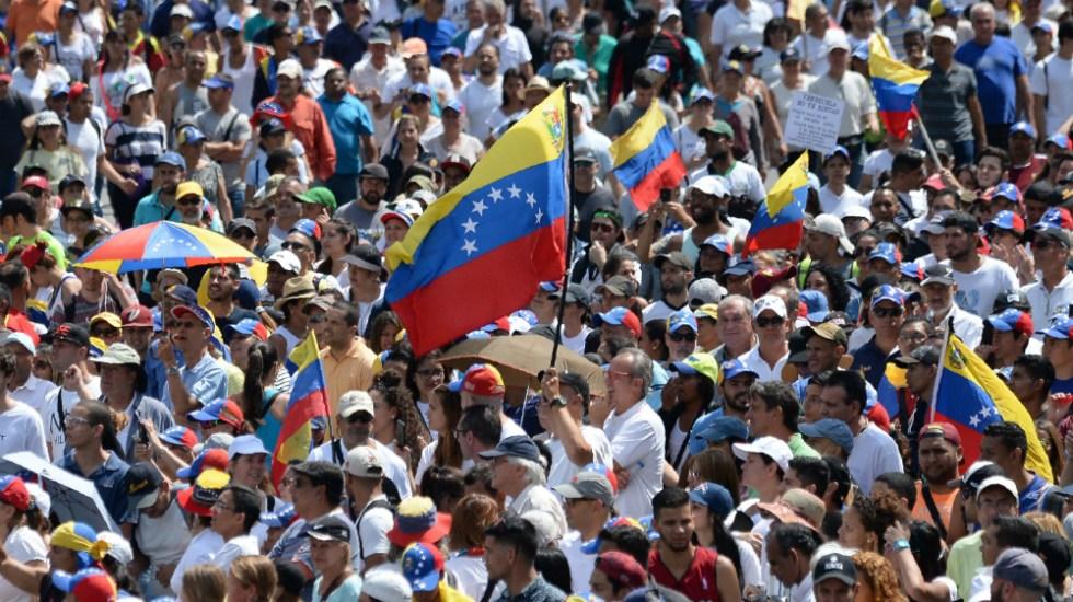 Opositores marcharán para exigir entrada de ayuda humanitaria en Venezuela - Protestas contra el régimen de Maduro. Foto de archivo de AFP.