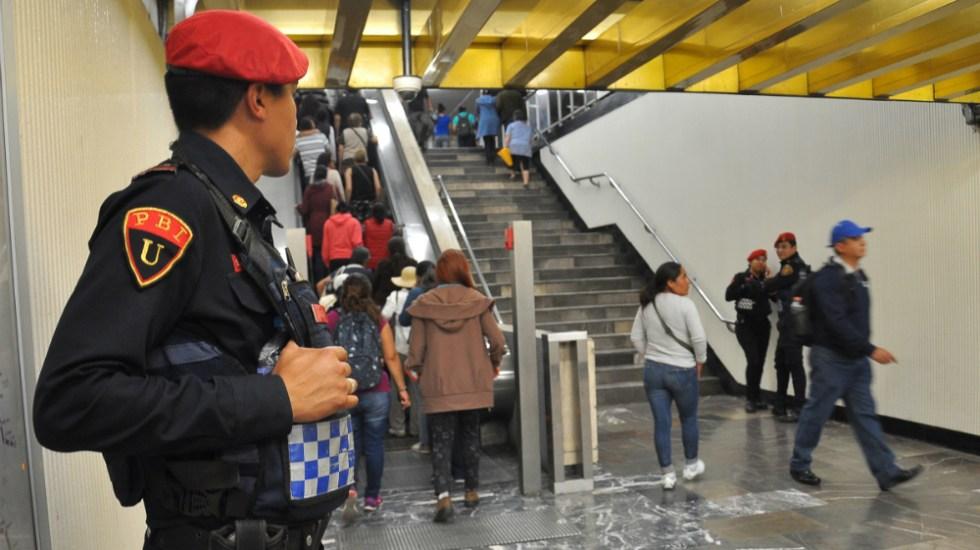 Detienen a tres hombres por presunto acoso en el Metro - Foto de Notimex