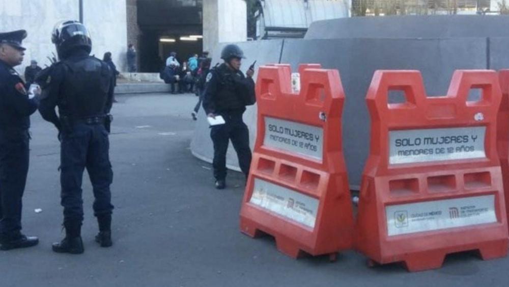 Encuentran cadáver de un hombre afuera del Metro Insurgentes. Noticias en tiempo real