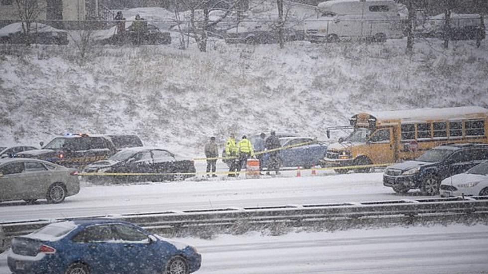 Detienen a hombre que disparó contra autobús escolar en Minneapolis - Foto de AP