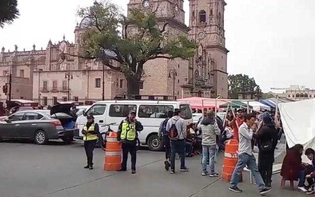 Maestros de la CNTE acuerdan regresar a clases en Michoacán - Plantón que la CNTE instaló en Morelia. Foto de Quadratín