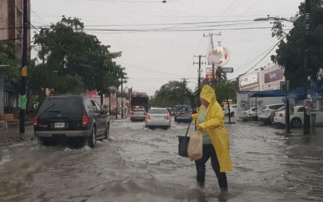 Lluvia ocasiona encharcamientos en Playa del Carmen y Cancún - Quintana Roo