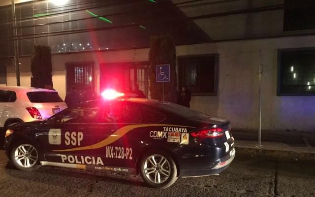 Roban dinero de cajero automático en oficina de alcaldía capitalina - Policía en oficinas de la Miguel Hidalgo. Foto de @ricardovitela