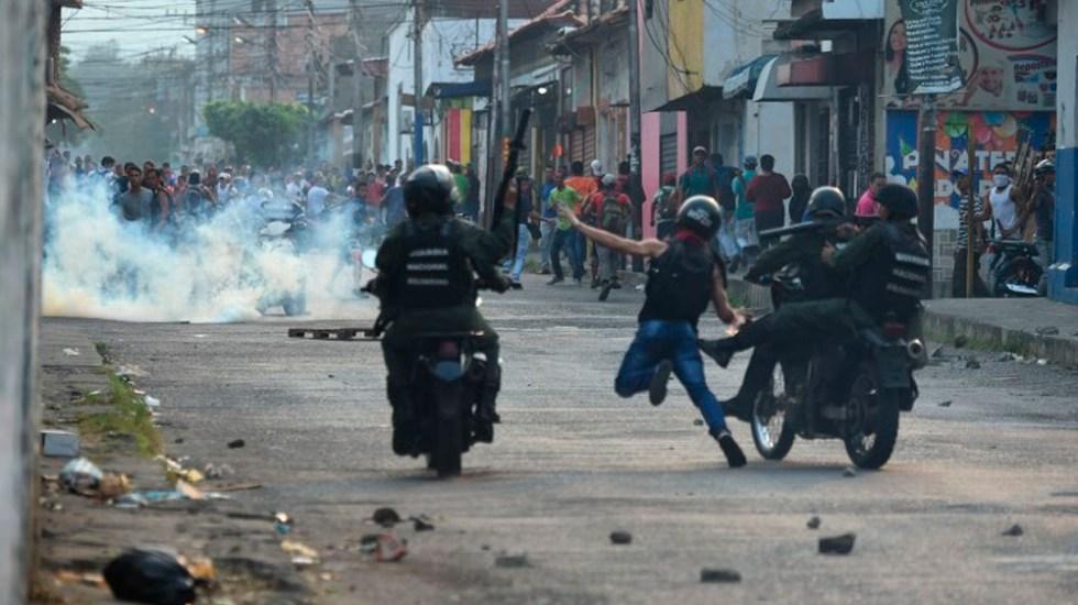 Estados Unidos retirará a todos sus diplomáticos de Venezuela: Pompeo - Foto de AFP