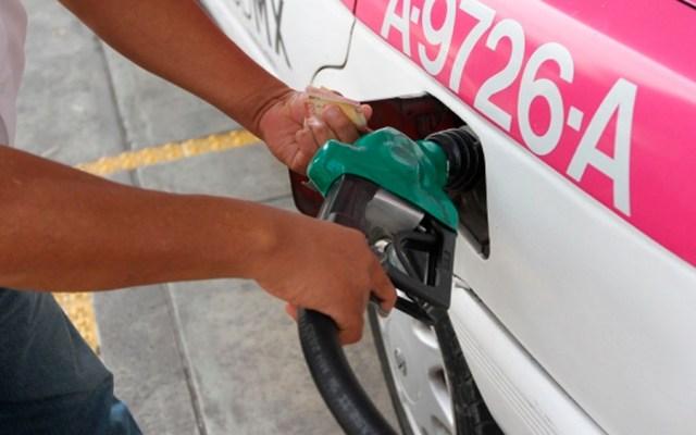 Hacienda modifica IEPS para evitar incremento a gasolina - Foto de Notimex