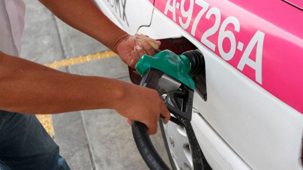 Aumentan los precios de las gasolinas en México - Foto de Notimex