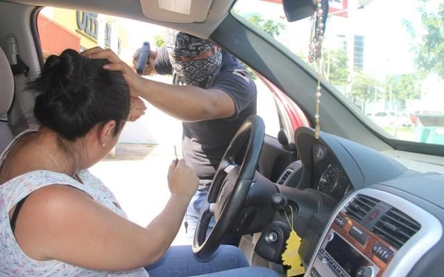 Aumenta violencia en robo de autos - Robo de auto con violencia. Foto de Ciudadanos en Red