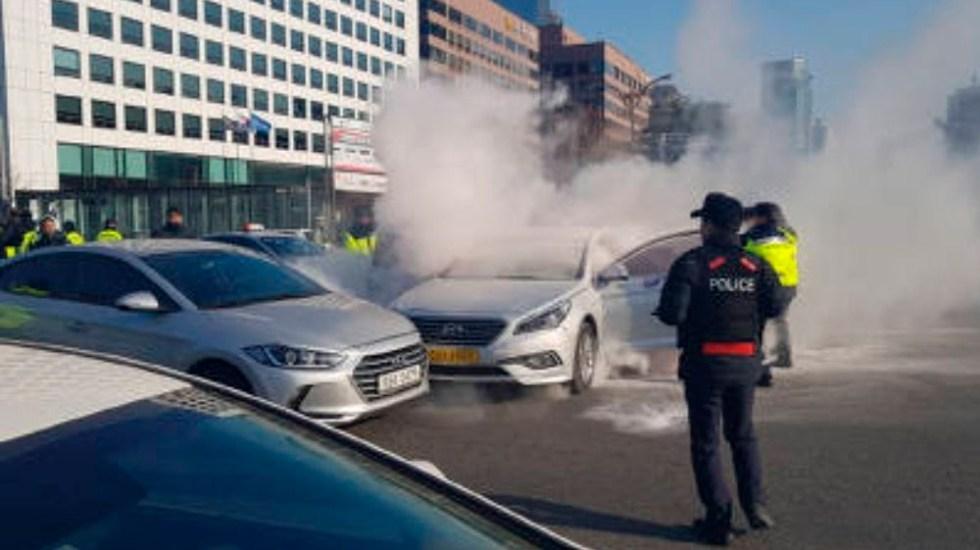 Taxista se inmola durante protesta en Corea del Sur - Foto de Twitter