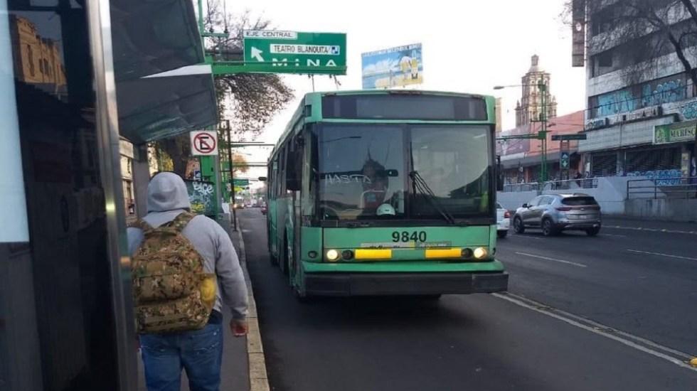 Suspenden servicio de Trolebús en Eje Central - Trolebús sobre Eje Central. Foto de @GCalderon_TE