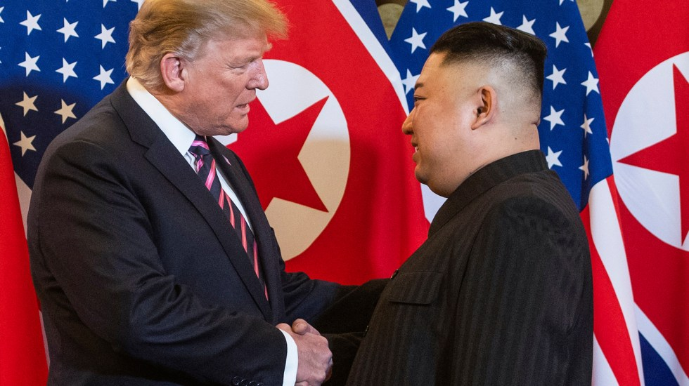 Trump anula sanciones de EE.UU. contra Pyongyang por aprecio hacia Kim Jong Un - Inicia segunda cumbre entre Donald Trump y Kim Jong-un en Vietnam