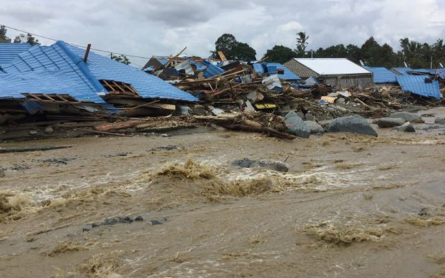 Inundaciones en Indonesia dejan al menos 61 muertos - Inundaciones en indonesia dejan al menos 60 muertos