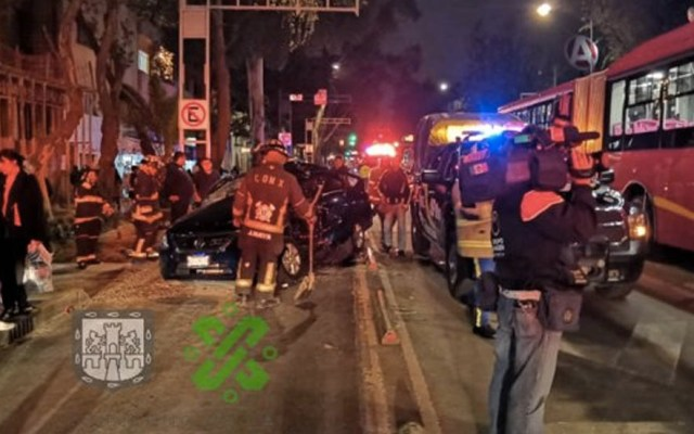 Metrobús choca con automóvil en la Narvarte - Narvarte