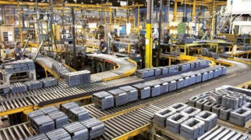 Producción industrial en México cae 2 por ciento en el último año - cae producción industrial