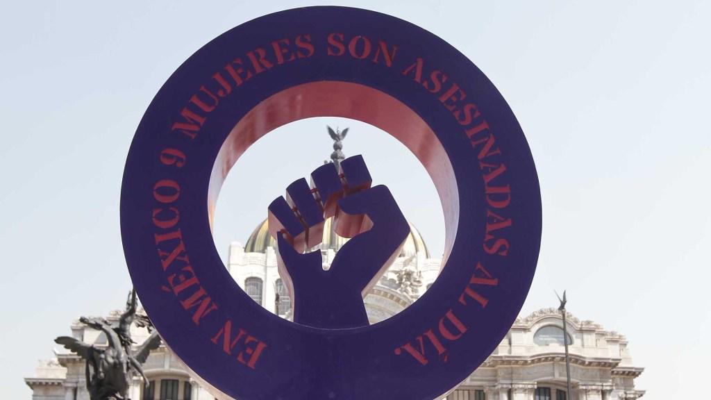 Primer bimestre de 2019 rompe récord en feminicidios - 'Antimonumenta' contra el feminicidio en México, instalada frente al Palacio de Bellas Artes. Foto de Notimex