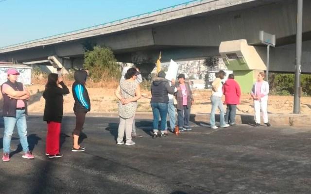 Bloquean Río de los Remedios por falta de agua - Foto de @alertasurbanas