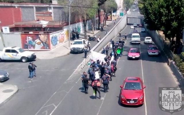 Bomberos liberan calzada San Antonio Abad tras casi un día - Foto de @OVIALCDMX