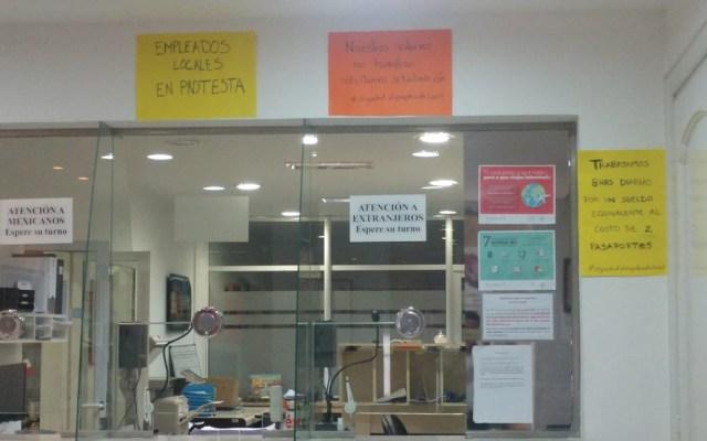 Empleados de embajada mexicana en Buenos Aires protestan por bajos sueldos