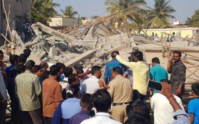 Derrumbe de un edificio en India deja dos muertos - Foto de @totalrd