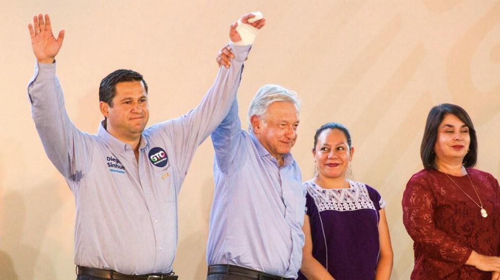"""""""La libró Diego"""": López Obrador sobre apoyo a gobernador de Guanajuato - Diego Sinhue Rodríguez y López Obrador. Foto de Notimex"""