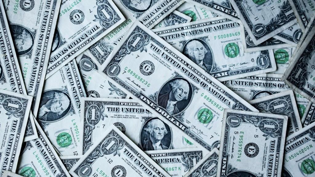Dólar cierra en 19.29 pesos tras revisión de S&P. Noticias en tiempo real