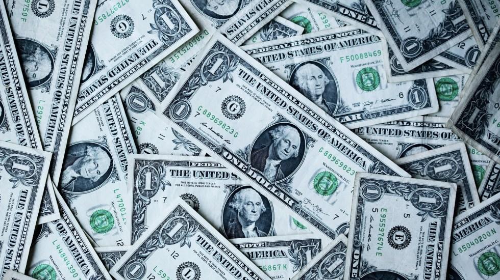 Demócratas de EE.UU. proponen nuevo paquete de estímulo por COVID-19 - Dólares estadounidenses. Foto de Sharon McCutcheon / Unsplash