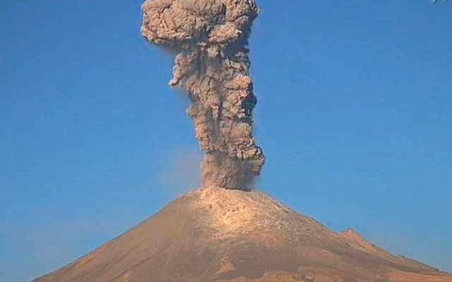 Protección Civil pide evitar el alpinismo en el volcán Popocatépetl - Foto de @webcamsdemexico