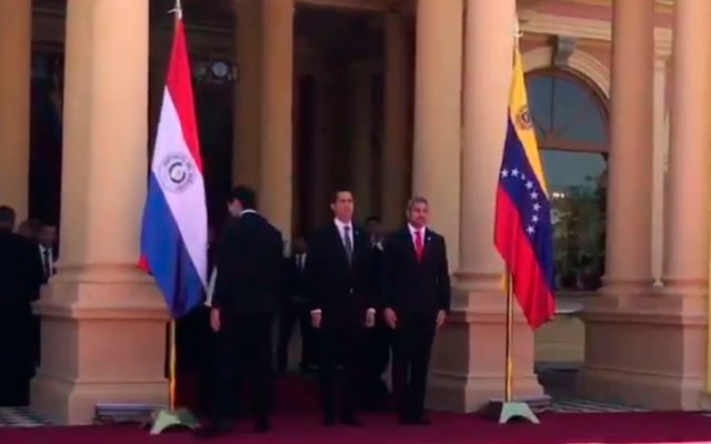 Guaidó llega a Paraguay tras gira en Brasil