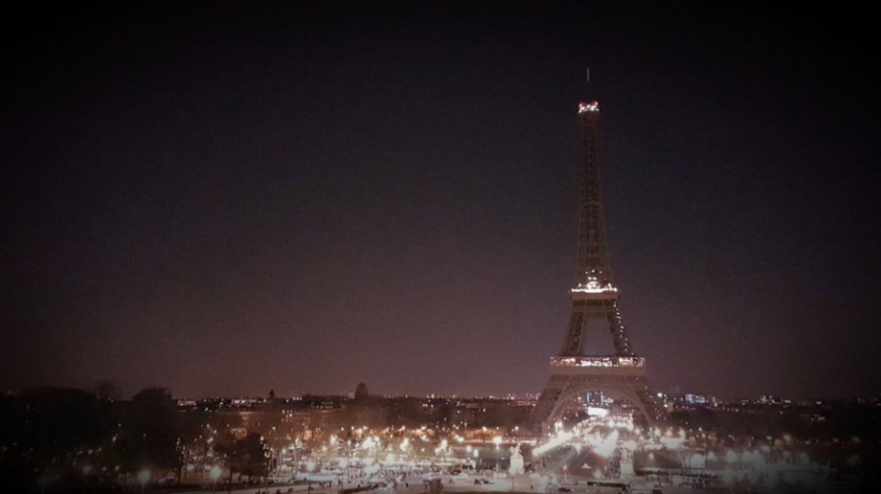 Las luces se apagan en el mundo por la Hora del Planeta - Foto de @crawhall7