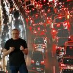 Presenta Waze su plataforma de auto compartido - Noam Bardin, CEO de Waze.