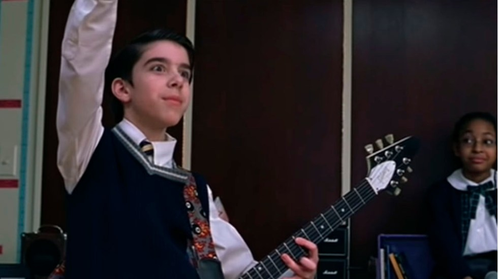 Detienen a actor de 'School of Rock' por robar guitarras - Captura de pantalla