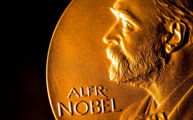 Suspenden banquete en honor a Premios Nobel por COVID-19 - Medalla de los Premios Nobel. Foto de @nobelprize
