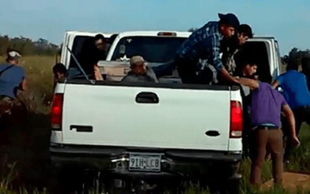 #Video Más de 20 migrantes huyen de la policía de Texas - Captura de pantalla