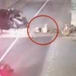 #Video Choque expulsa de camioneta a mujer embarazada