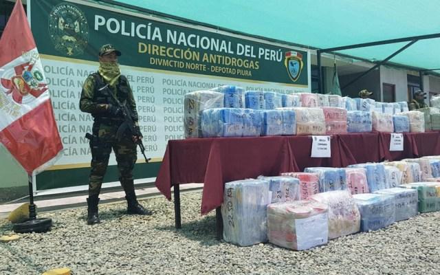 Detienen a mexicanos con dos toneladas de cocaína en Perú - Foto de @PoliciaPeru