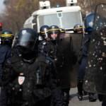 Masivo despliegue policial en Francia por chalecos amarillos - Foto de AFP